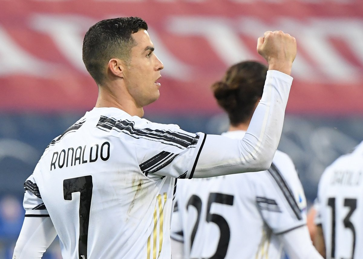 Cristiano Ronaldo, Cagliari yi tek başına yıktı #1