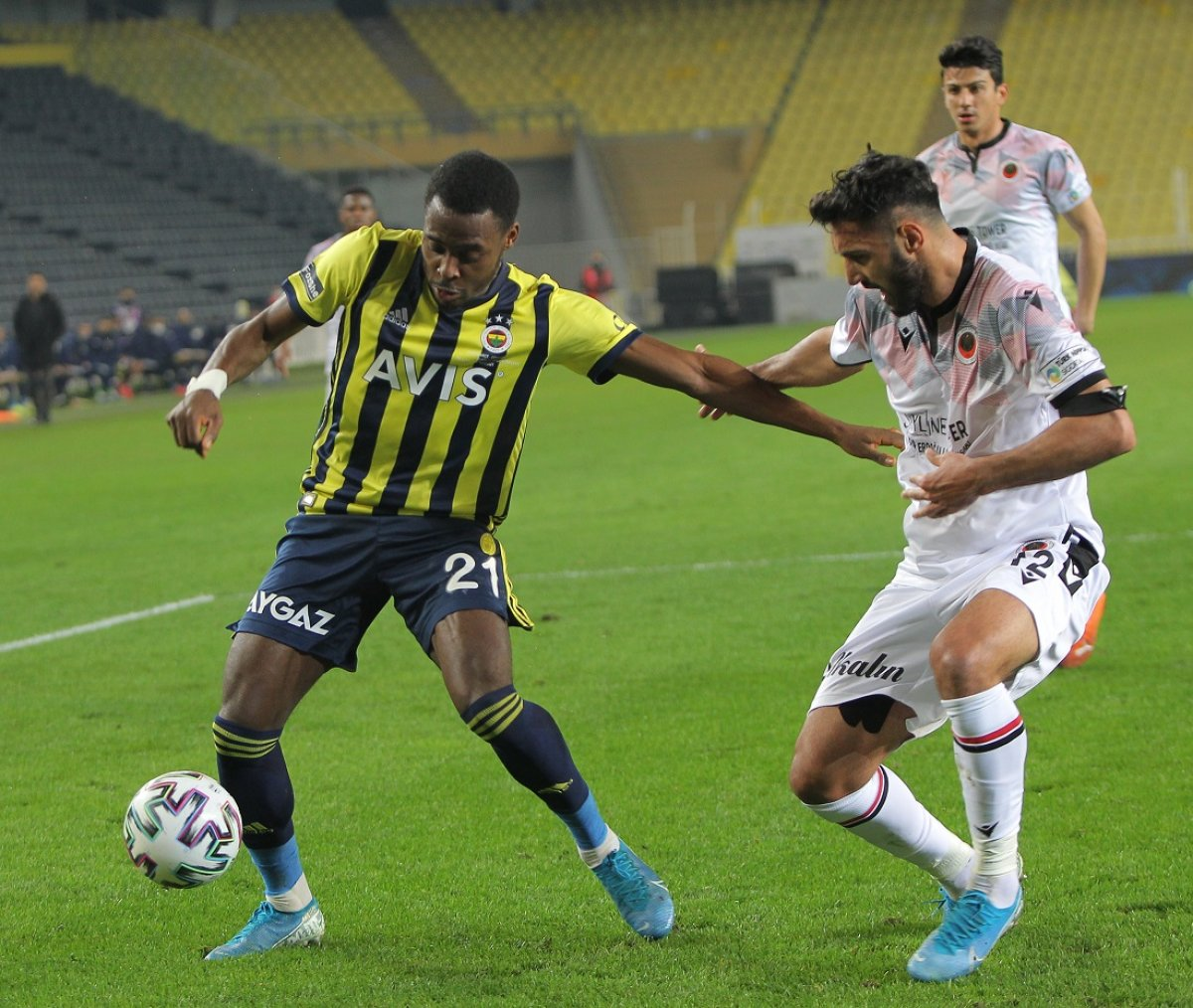 Fenerbahçe, Kadıköy de bu kez de Gençlerbirliği ne kaybetti #2