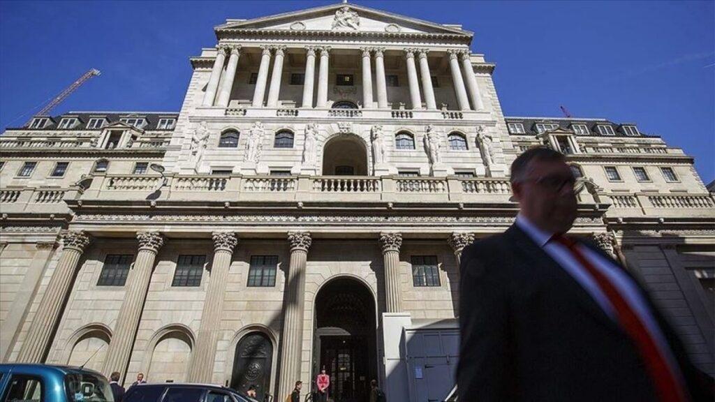 İngiltere Merkez Bankası'ndan 'ekonomik toparlanma' beklentisi