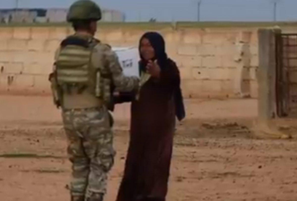 Kahraman Mehmetçik ten Suriyelilere yardım #1