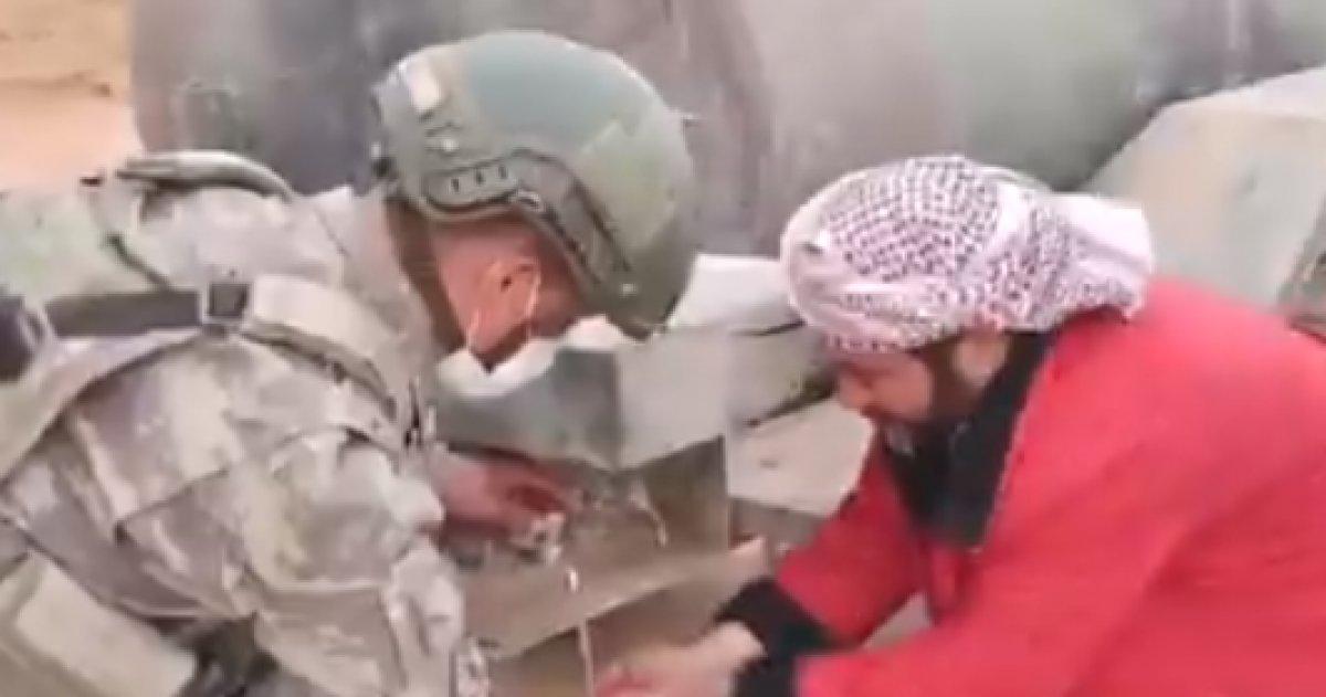 Kahraman Mehmetçik ten Suriyelilere yardım #3