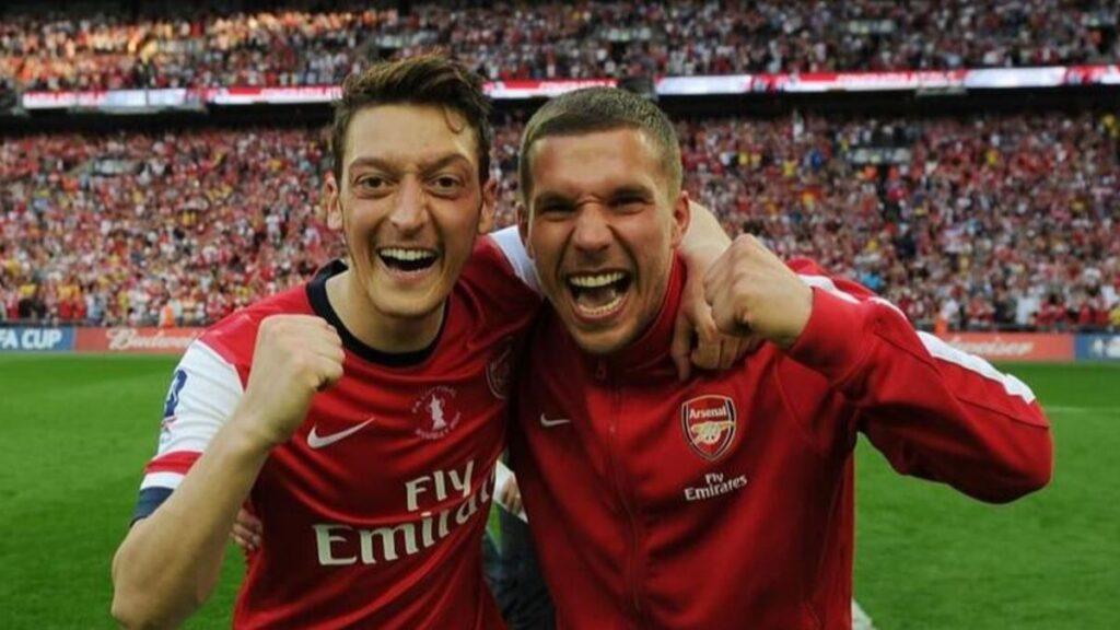 Lukas Podolski: Mesut Özil'e saygı göstermediler