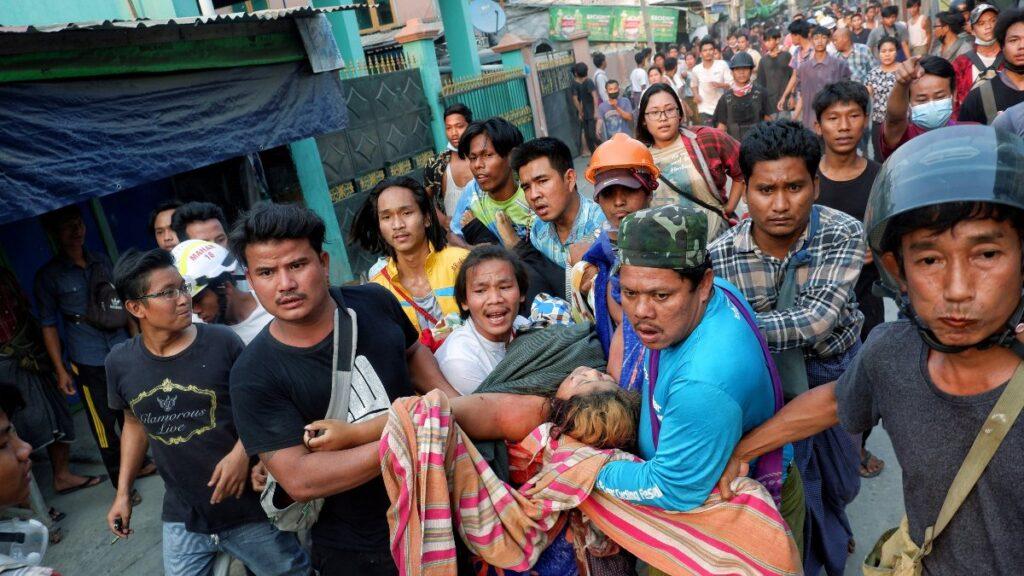 Myanmar'daki protestolarda en az 38 kişi öldürüldü