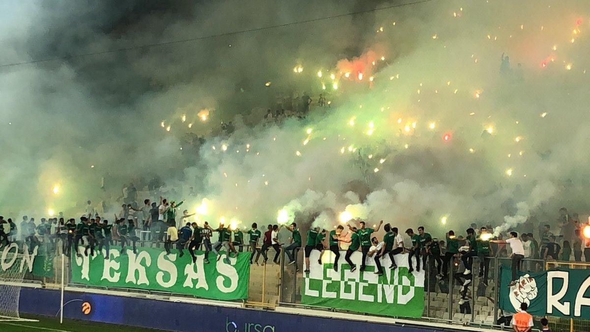 Bursaspor taraftarı yönetimi istifaya davet etti #1